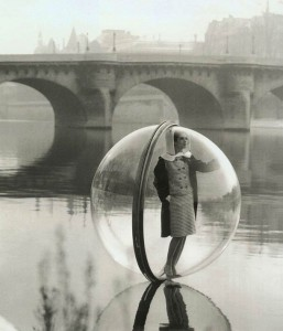 retro-bubble-girl